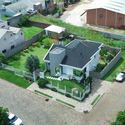 Vende-se linda casa semi mobiliada com 648 m² de terreno em Marau