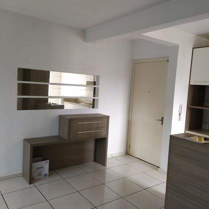 Aluga-se apartamento de 03 dormitórios semi mobiliado em Marau
