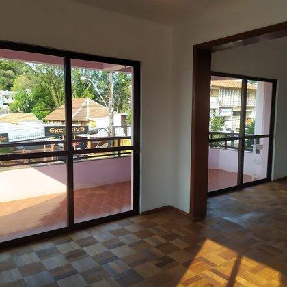 Aluga-se Apartamento de 03 dormitórios em Marau