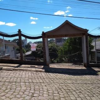 Excelente casa de 4 dormitórios e terreno de 700 m² em Marau