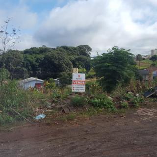 Vende-se excelente terreno no Bairro Santa Lúcia