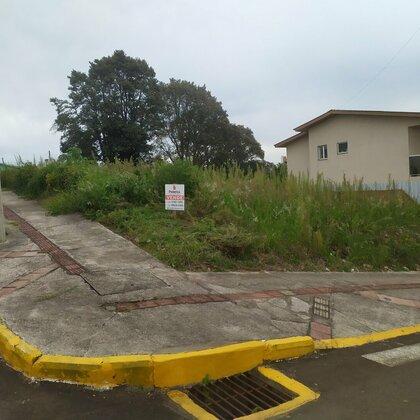 Lindo terreno de esquina em área nobre de Marau