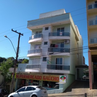Apartamento de 02 dormitórios no Centro de Marau